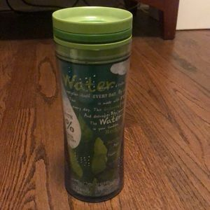 Starbucks green earth friendly 16 oz travel cup